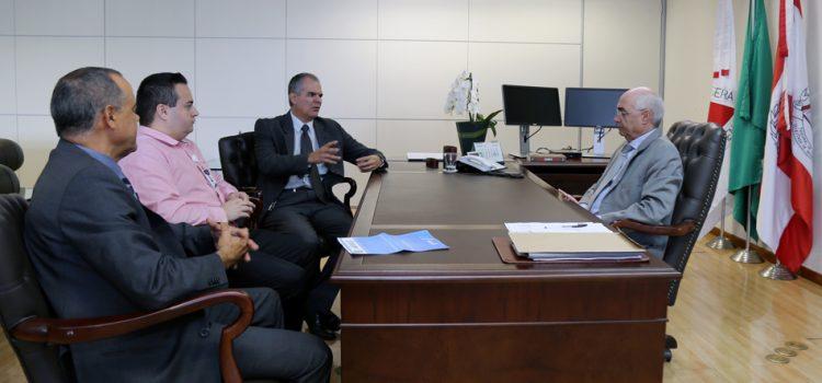 REPRESENTANTES DO CORECON-MG VISITAM TRIBUNAL DE CONTAS DO ESTADO DE MINAS GERAIS